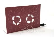 紙に穴を空けるセラピー1 デザインカード