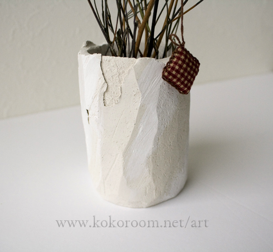 枯れ枝を飾る花瓶を粘土で作ってみる