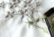 花の刺繍の巾着袋